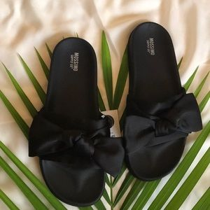 Julisa Slide Sandals with a Bow